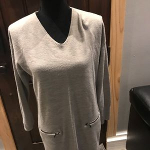Sweaters - Long grey sweater with 2 zipper details.